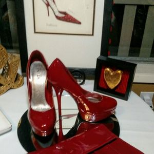 NWOT N.Y.L.A. Red Faux Patent Leather heels